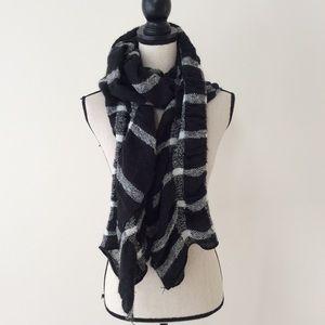 Accessories - Chunky scarf black white plaid